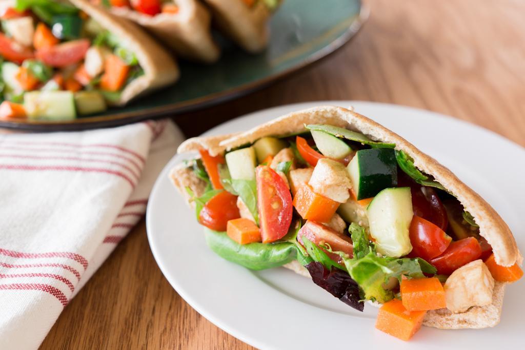 Salad Pita Pockets with Balsamic Vinaigrette Dressing