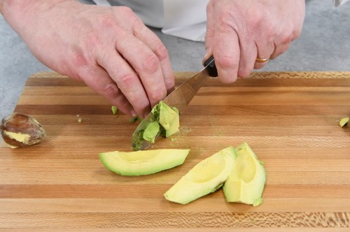 How to Cut an Avocado with a Spatula Spreader