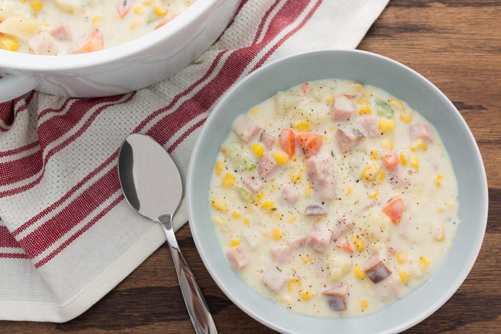 Easy, Creamy Ham and Potato Chowder