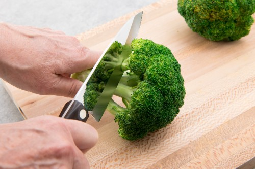 Infographic: How to Cut Broccoli