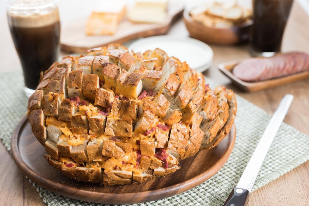 Saturdays With Barb: Reuben Pull-Apart Bread