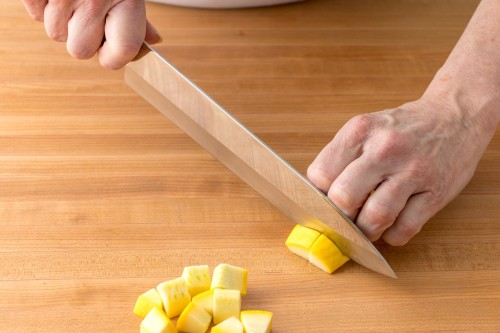 How to Dice Yellow Squash