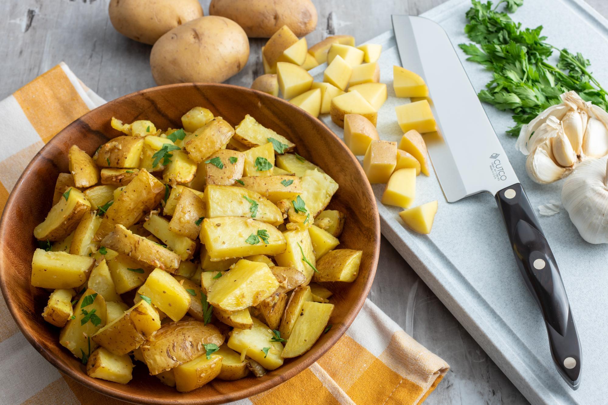 Easy Side of Garlic Roasted Potatoes