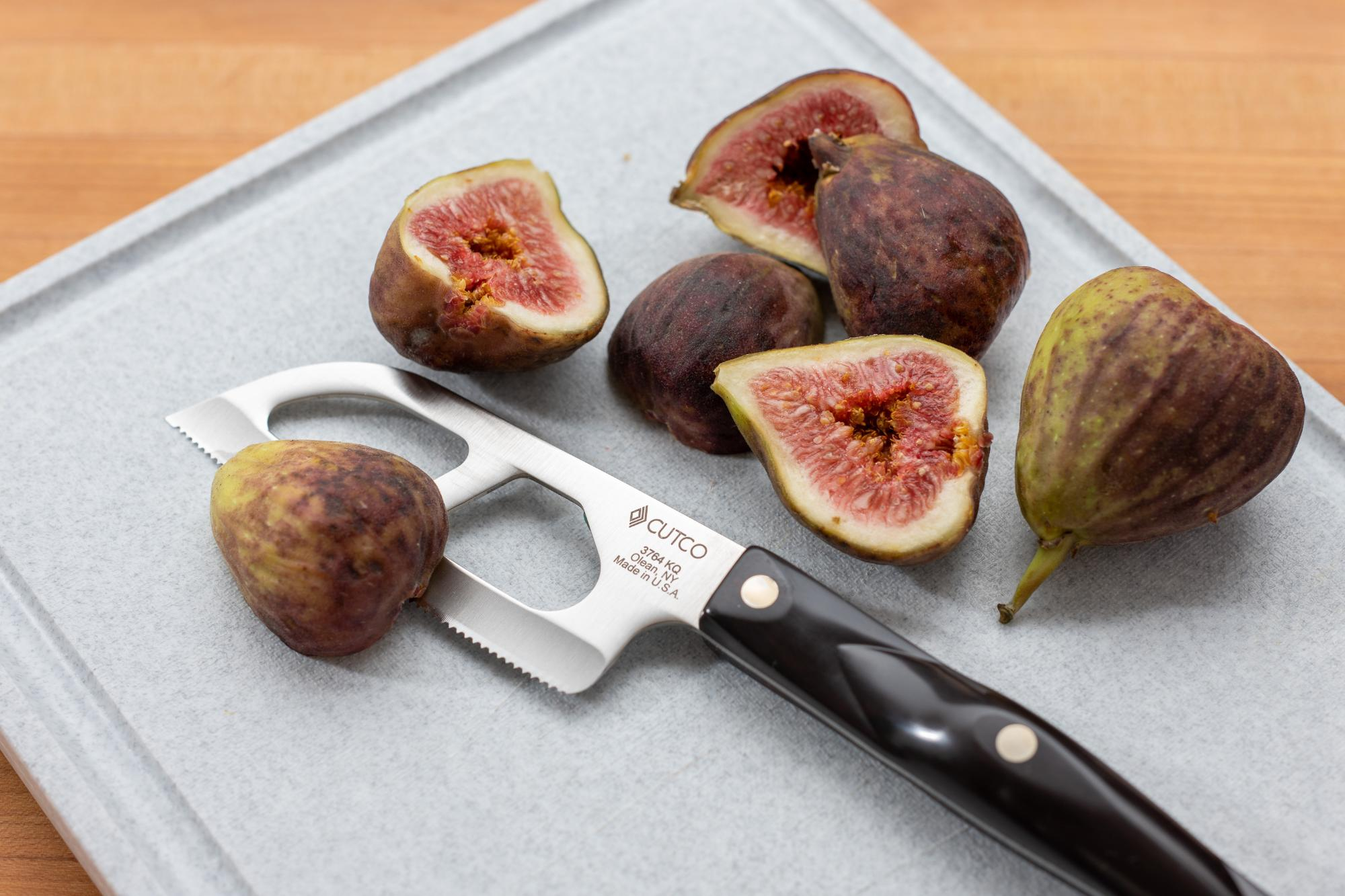 Prepping figs for the mezze platter.
