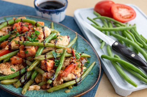 One Skillet Balsamic Chicken with Green Beans and Tomatoes