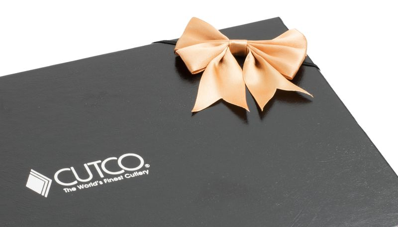 Closeup of gift box with available gift bow in various colors.