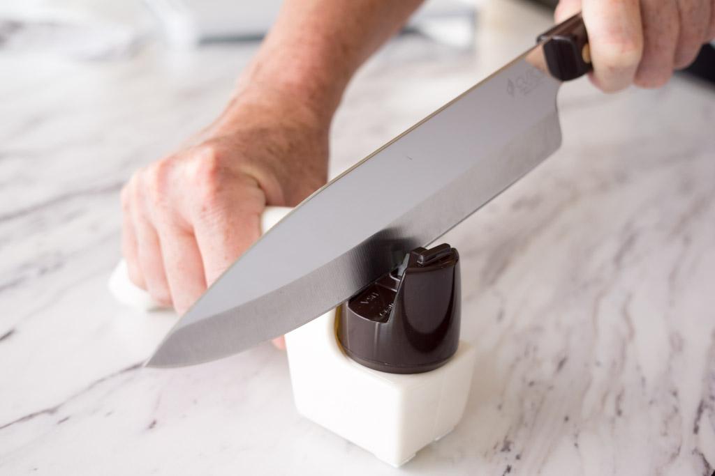 12 Kitchen Knife Safety Tips